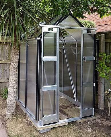 Elite Compact 4x4 Greenhouse - 6mm Polycarbonate Glazing