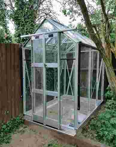 Elite Compact 4x6 Greenhouse - Toughened Glazing
