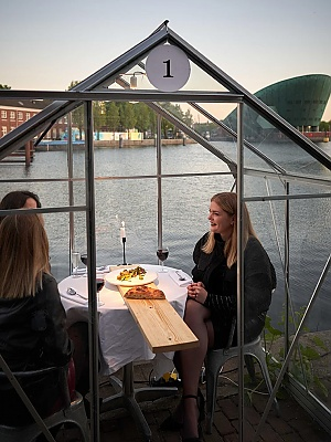 Individual Greenhouses to Keep Diners Apart