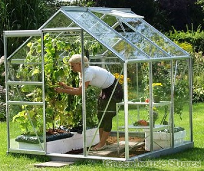 Greenhouses and How to Make Gardening Easier